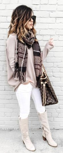 f7b7c4e4a7790a0799e929d4f2329a8e--white-jeans-winter-outfit-grey-boots-outfit